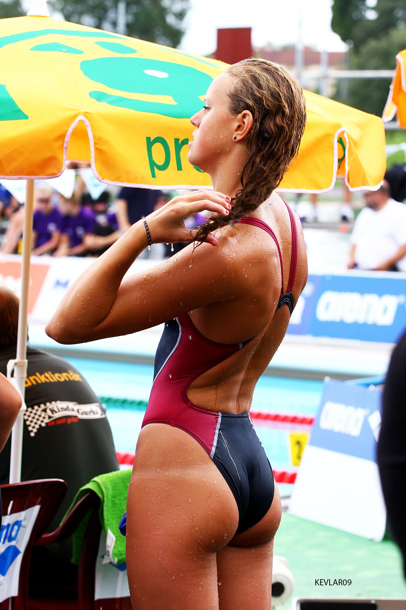 Фото в купальниках спортсменки 23 фотография